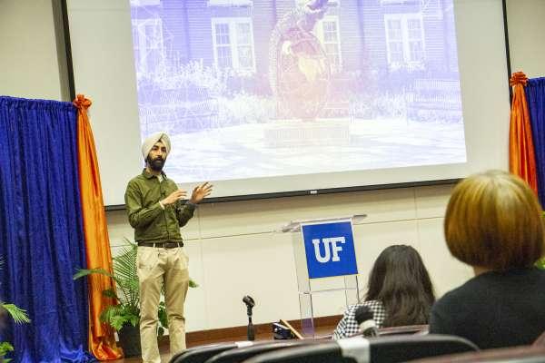 Arashdeep Singh, Ph.D., presents at the 34th Annual Research Showcase